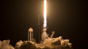 Elon Musk viszi el a NASA-t a Jupiter holdjára