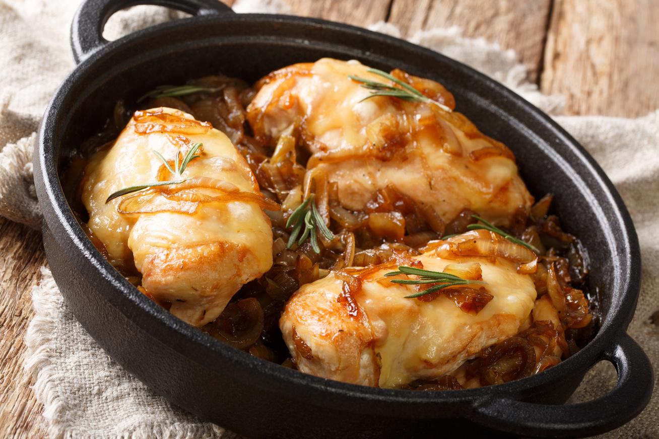 csirkemell-karamellizalt-hagymaval