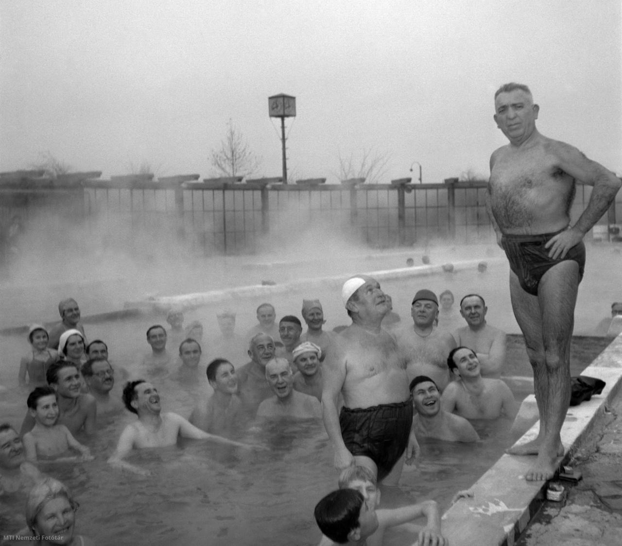 A budapesti Dagály Gyógyfürdő 1956. december 6-án megnyitotta kapuit.