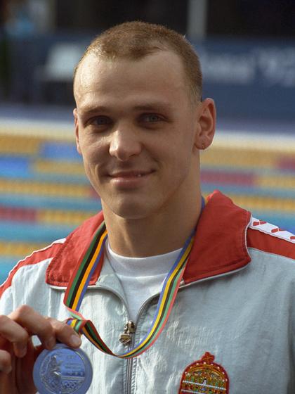 Barcelonában 100 és 200 méter mellen is ezüstérmet nyert, Atlantában, az utóbbi számban aranyat szerzett.