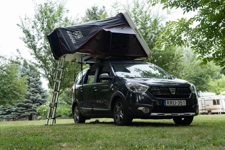 Bár jó a sátor hőszigetelése és a szellőzése sem kutya, az árnyék nyáron akkor is lényeges