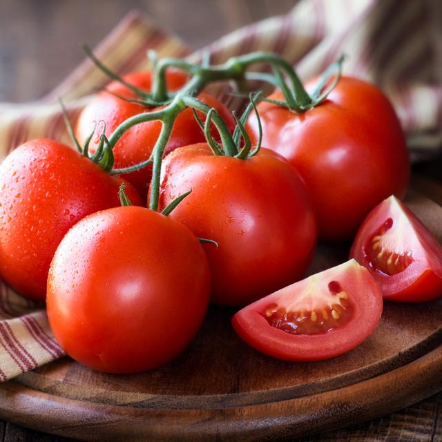 Csökkenti a koleszterinszintet, óvja a szívet és az ereket: 8 egészséges étel paradicsomból