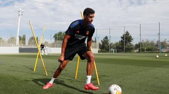 A Manchester United megegyezett Raphaël Varane vételáráról