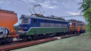 Kigyulladt egy szlovák mozdony a rákoshegyi vasútállomáson