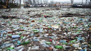 Románia kitalálta, hogyan fékezze meg a folyókon úszó hulladékot