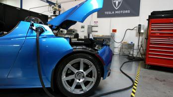 Nyolcadik sebességbe kapcsolt a Tesla