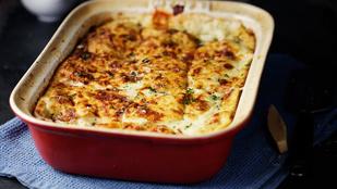 Borsós-bazsalikomos lasagne – jó sok sajttal és ricottával igazán finom ez az egyszerű, vega fogás