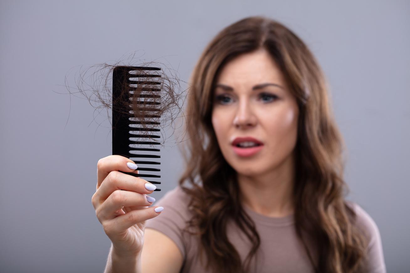 hajhullás fehérjehiány