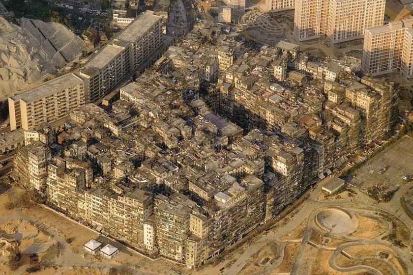 Légi felvétel a Bűnös városról: itt is jól látszik, mennyire zsúfoltan épültek a házak, és hogy tényleg egy külön várost képezett a városban.