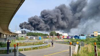 Robbanás történt egy vegyi üzemben Leverkusenben