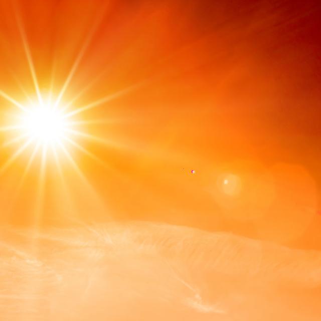 Ismét életbe lépett a vörös kód: kiadták a figyelmeztetést a rekkenő hőség miatt
