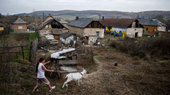 Négy magyarból három az uniós szegénységi küszöb alatt él