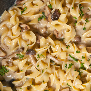 A klasszikus Stroganoff könnyedebb változata: hús nélkül, rengeteg gombával készül