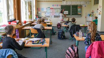 Besokallt egy osztrák kisfiú a szexuális felvilágosító órán