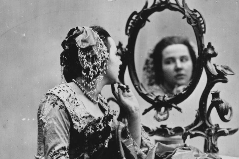 A történelem legveszélyesebb kencéi, amiket a nők használtak a szépségápolásban: mérgezést és halált okozhattak