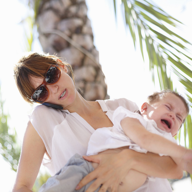 Anya nyaral: lökjük a hintát, térdig megyünk a vízbe, de fő, hogy a gyereknek boldog a nyara