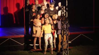Letiltatott egy színdarabot a vajdasági Magyar Nemzeti Tanács elnöke