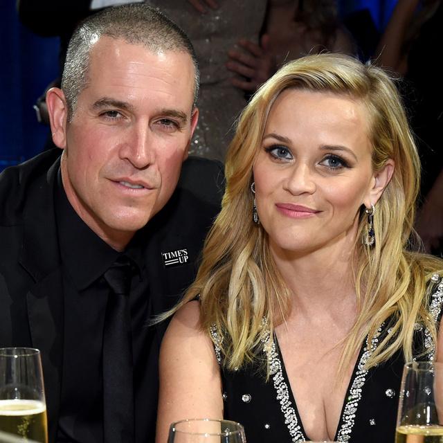 Reese Witherspoon magyar származású férjével fotózkodott az óceánparton: Jim Toth-tal 10 éve házasok