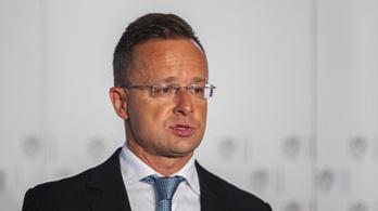Szijjártó Péter szerint jogi huliganizmus, amit az Európai Bizottság csinál