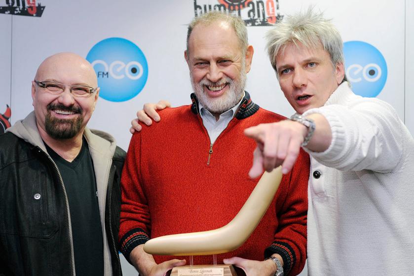 Boros Lajos 2012 márciusában, azon a sajtótájékoztatón, ahol a NeoFM kereskedelmi rádió bejelentette, hogy húsz év után befejezi a Bumeráng vezetését. Mellette Voga János és Bochkor Gábor.
