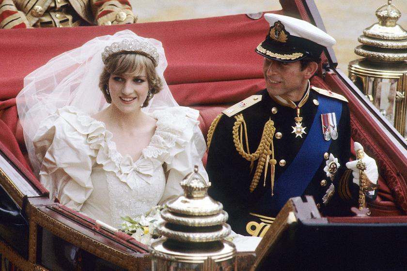 40 évvel ezelőtt volt Diana és Károly esküvője: a herceg csak a testvére unszolására csókolta meg a hercegnőt