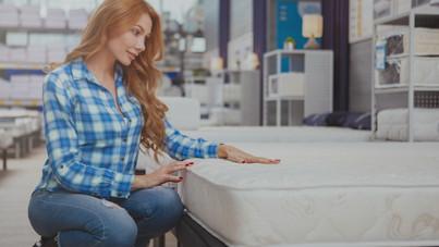 Teszt: ennyit szánj a matracvásárlásra, ha nem akarod, hogy álmatlan éjszakáid legyenek miatta