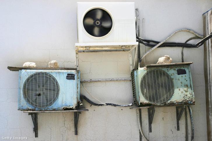 Klímaberendezések egy épület falán