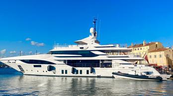 """Többször is """"koccanhatott"""" a NER magángépe és Szíjj László új luxus charter jachtja"""