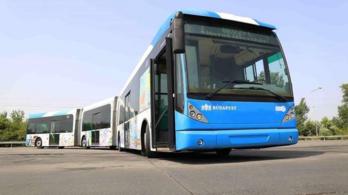 Ülések nélkül adták át a BKV legújabb autóbuszát, a felszállás korhatáros