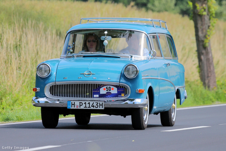 Egy Opel Olympia Rekord Caravan