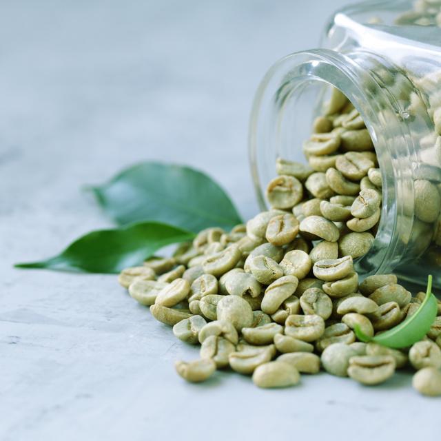 Fokozza a test zsíranyagcseréjét, csökkenti az állandó éhséget: a zöld kávé 3 áldásos hatása