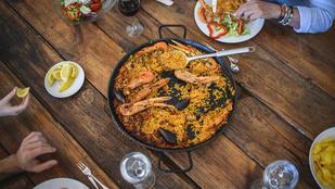Paella tenger gyümölcseiből – egy kis sáfránytól lesz igazán szép színe