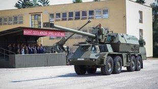 Önjáró tarackokat kapott a szlovák hadsereg