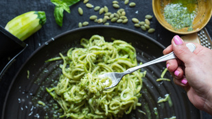 Olasz séf mondta el, mitől marad a pesto ragyogóan zöld