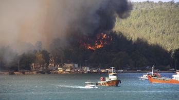 Tüzek pusztítanak Olaszországban és Törökországban