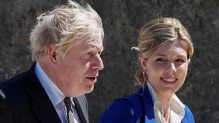 Szivárványgyermekkel terhes Boris Johnson felesége