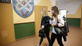 9 órai iskolakezdést kérnek a diákok