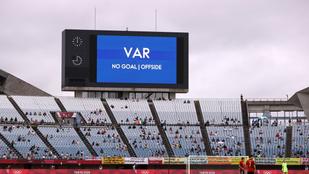 VARiációk a sportban: a vízilabdának jó, a futballt megosztja