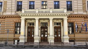 Mától már csak Budapesten van állami egyetem