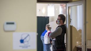 Rusvai Miklós: Ismét kötelezővé tehetik a maszkviselést, ha nő a fertőzöttek száma