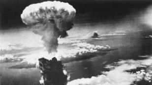 Atomfelhő Japán felett