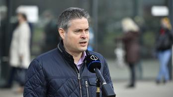 Etikai eljárást kezdeményeztek a fideszes Sára Botond ellen