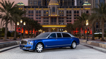 Pszt! Poros Bentley luxuslimuzin kéne? Van!