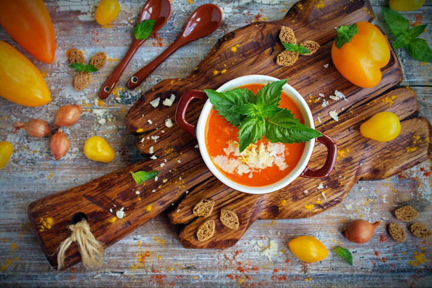 Sűrű nyári sültpaprika-krémleves: hidegen és melegen ugyanolyan finom
