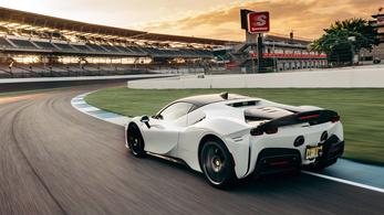 1000 lóerős hibrid Ferrari a leggyorsabb Indianapolisban