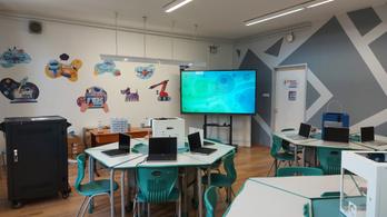 Íme az okos osztályterem, ahol a diákoknak és a tanároknak is élmény az oktatás