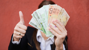 Megnyílt a pénzcsap, másoknak ömlenek az eurómilliárdok a helyreállítási alapból