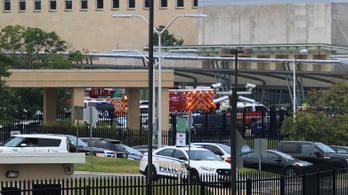 Lezárták a Pentagont, lelőttek két rendőrt