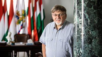 Dézsi Csaba András: Nem szeretem a Mekk Elek-stílusú munkát