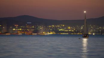 Kétmilliót is elkérnek egy négyzetméterért a Balatonnál